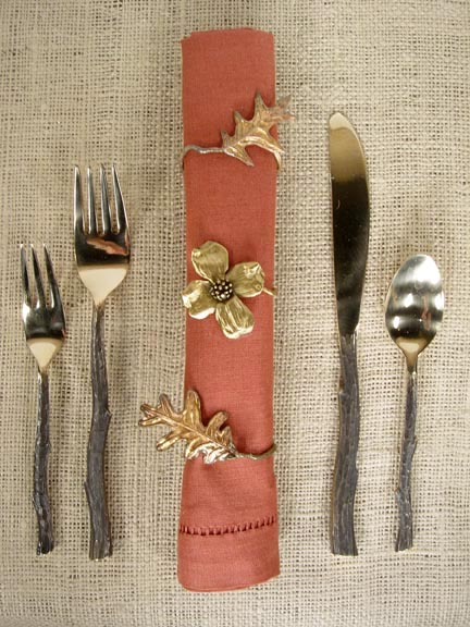 3 NAPKIN RINGS AND TWIGWARE