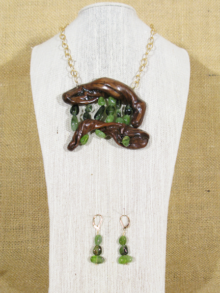 SAGE (HARDENED) & GREEN PERIDOT WITH GOLD FILLED CHAIN