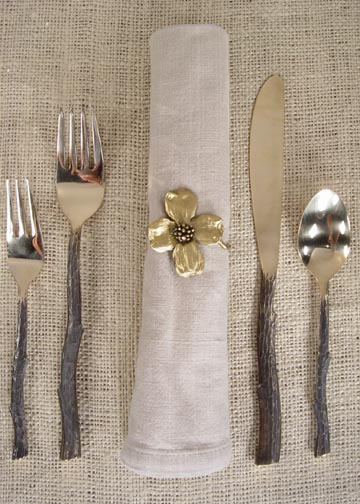 DOGWOOD FLOWER NAPKIN RING AND TWIGWARE