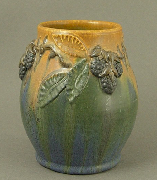 HEIRLOOM BLACKBERRY VASE SHORT