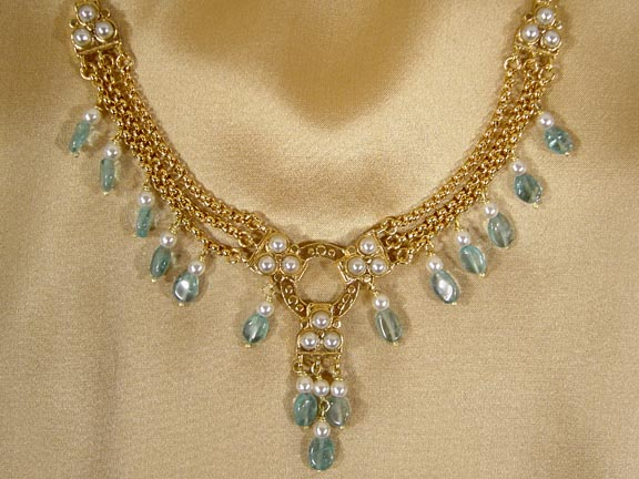 SOUTH INDIAN CHOLA APATITE NECKLACE DETAIL