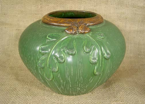 EPHRAIM POTTERY OAK LEAVES AND ACORN POTTERY SHORT VASE